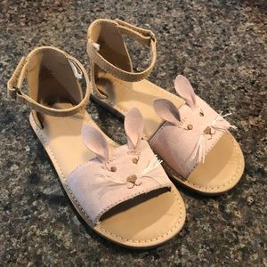 Old Navy girls bunny shoes. Size 10